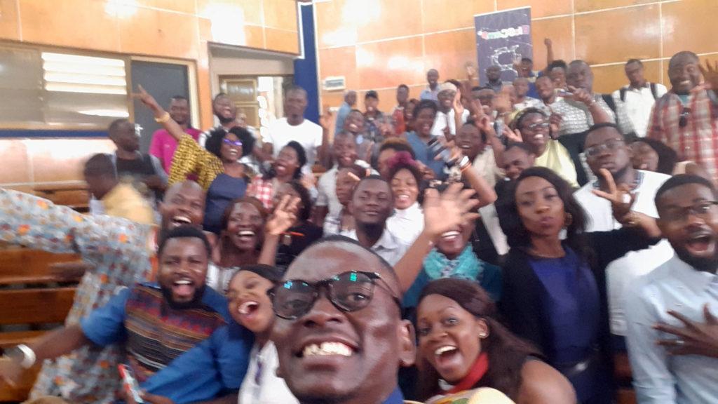 BlogCamp'19 journée 2 bis photo de famille Yaoundé Cameroun Blogging